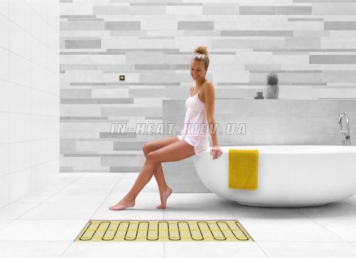 Девушка в ванной теплый пол Magnum